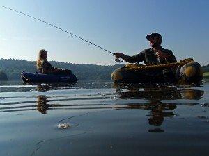 Pêche sportive des carnassiers en float tube 45_peche_aydat_30062010_pons-300x225